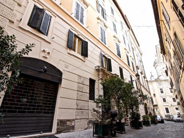 Palazzo - Via dei Banchi Nuovi